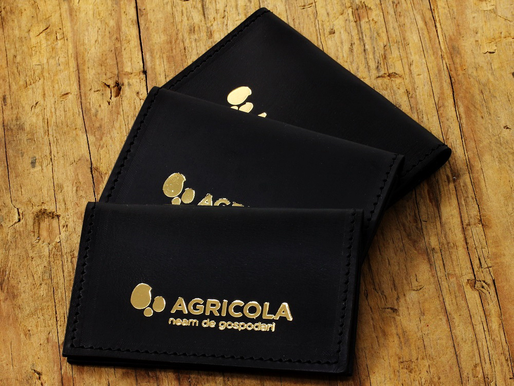 portcarduri personalizate